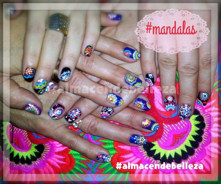 #Nails #nailart #mandala colorsnails #uñas decoradas con mandalas . Almacen de Belleza