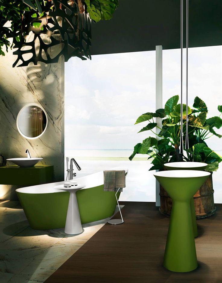 Ideas baño / diseño baños /baños en color: #bañera y #lavabos de pie en color verde! Un #baño muy original.  #decoración #baños # desing #bath