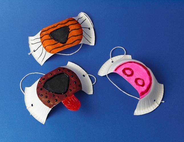 Create your favorite animal nose or make up your own with Crayola Glitter Glue!