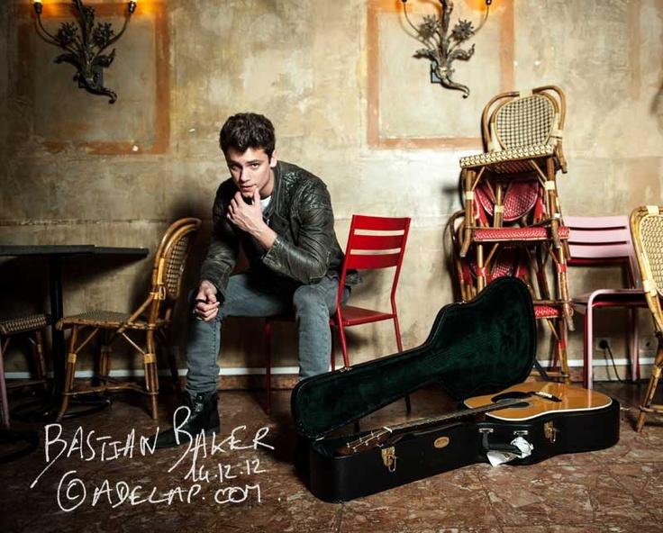 ADELAP :: photographe: Portrait :: Bastian Baker