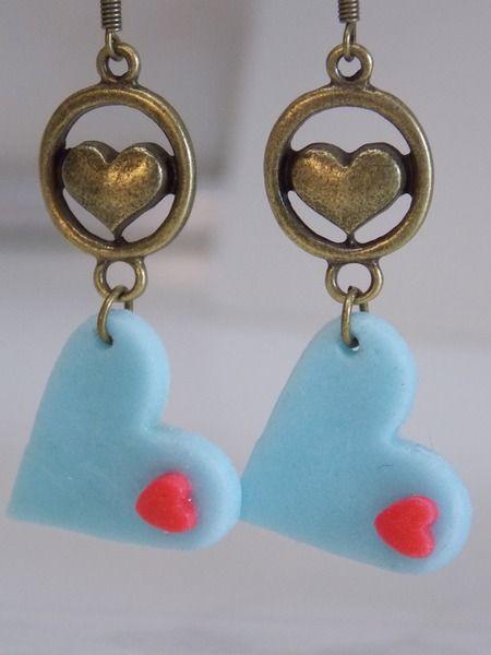Orecchino cuore blu di Bomboniere cuori e fiori su DaWanda.com