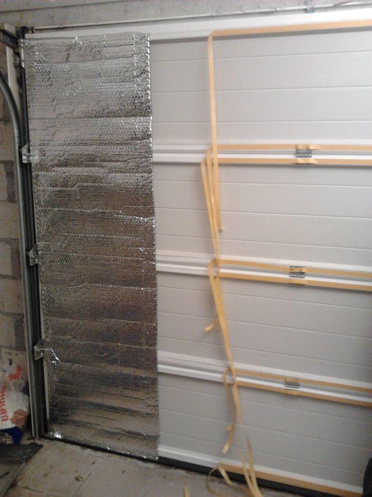 Isoler une porte de garage avec du papier aluminisé : premier panneau isolant