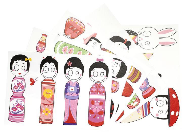 Verspielt und farbenfroh - die Marke Madam Mo mit japanischem Stil setzt Akzente. Passend zu restlichen Kollektion gibt es ein Sticker Set mit den traditionellen Kokeshi Puppen. Kokeshi sind ein für Japan charakteristisches traditionelles, kunsthandwerklich hergestelltes Spielzeug. Die kleinen Puppen stellen Mädchen dar und sind mit Blumenmustern verziert.