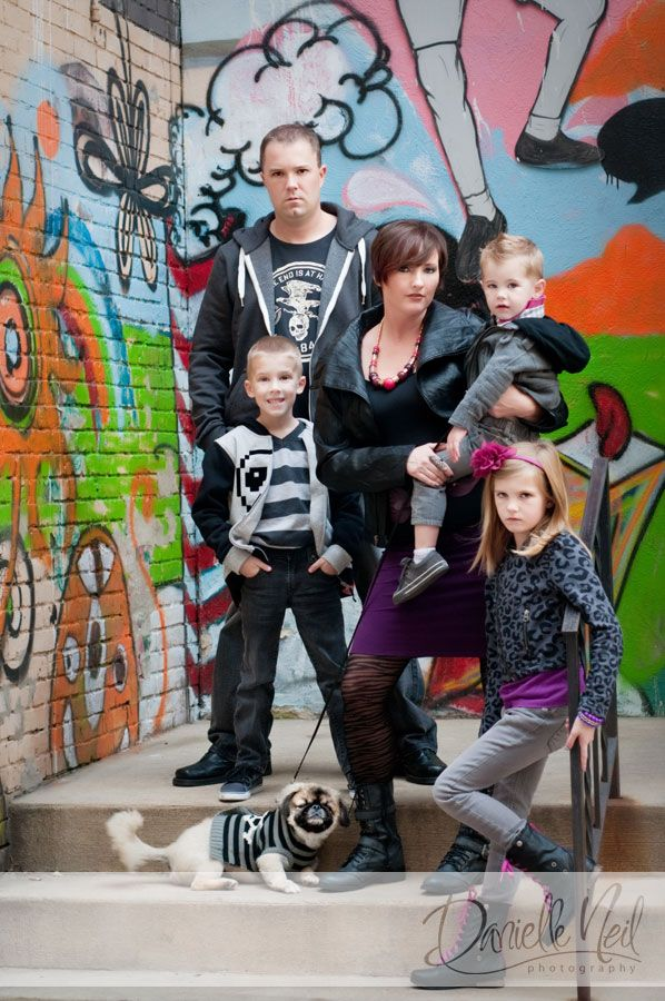 10 best family pic ideas images on pinterest family pics for Urban family photo ideas