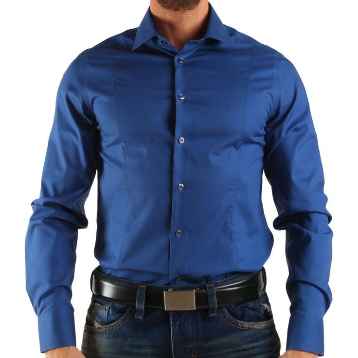 Producător: Calvin Klein Cod produs: CK16 Disponibilitate: În Stoc Camasa Calvin Klein Collection  Compozitie: 97% bumbac, 3% lastol  Detalii: mânecă lungă, slim fit,  Guler italian cu 1 buton  Spălare 30 °