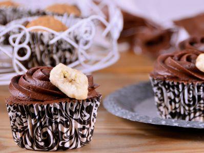 Receta   Cupcakes de plátano y chocolate negro - canalcocina.es