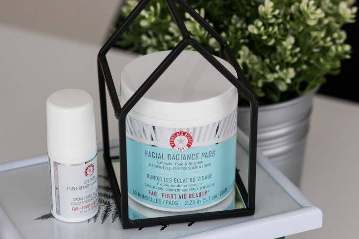 Review: First Aid Beauty Facial Radiance Pads & Eye Duty Triple Remedy AM Gel Cream