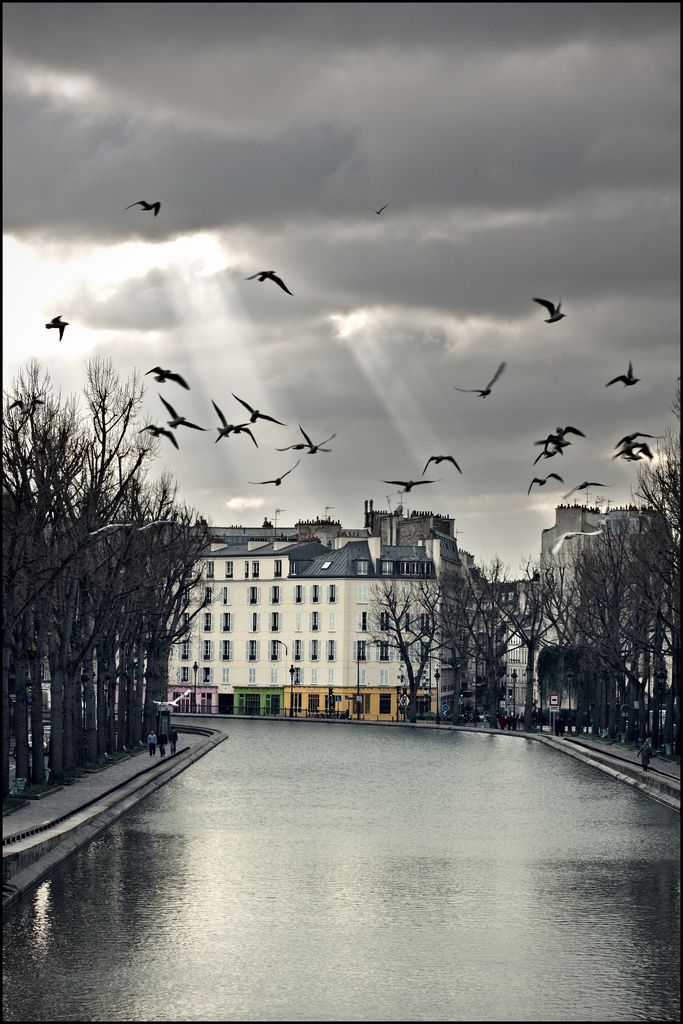 Canal Saint-Martin, Paris.