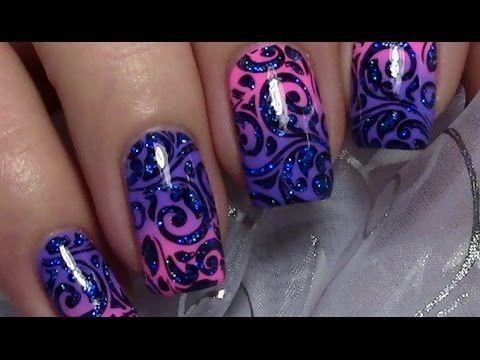 Hi,^^ heute zeige ich euch ein einfaches und schnelles Schnörkel stamping Nageldesign auf einem rosa - lila Farbverlauf. Das Stamping habe ich mit etwas blau...