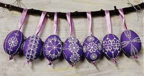 slepačie vajíčka /fialové - zdobené voskom