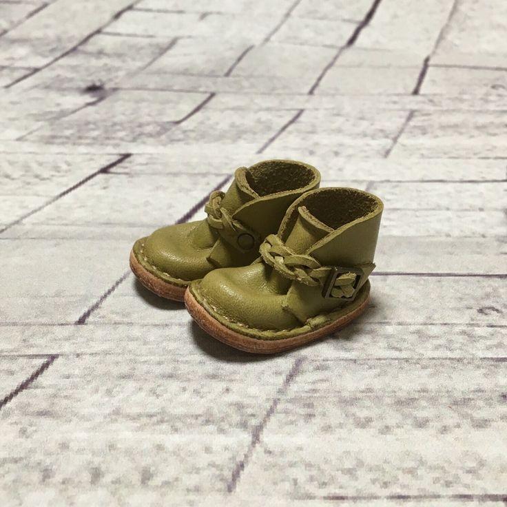 Echt leer: miniatuur enkel laarzen [Matcha] (voor blythe) door nero1025 op Etsy https://www.etsy.com/nl/listing/281021372/echt-leer-miniatuur-enkel-laarzen-matcha