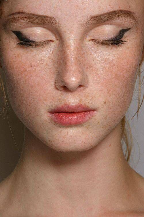 Eyeliner shape.