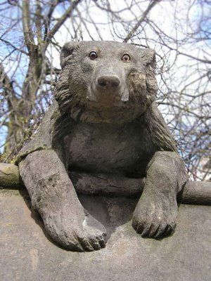 We ♥ this picture of a Cardiff Bear from the Cardiff Castle walls!