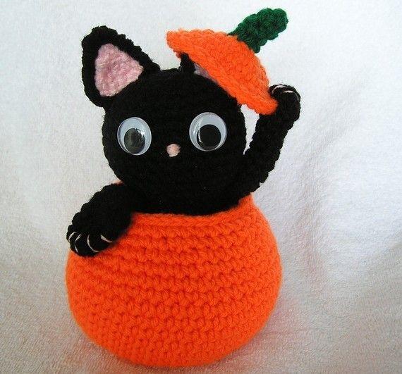 KITTY IN PUMPKIN Pdf Crochet Pattern
