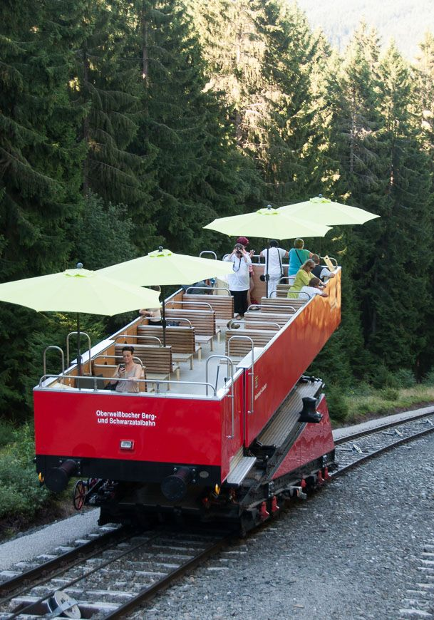 "Oberweißbacher Mountain Railway: A trainride through the Thuringian Forest in a ""cabrio"" #schienenreisen #deinthüringen"