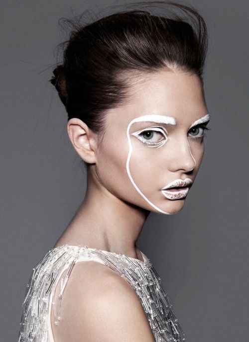 Disclosure-inspired #Halloween make-up? Yes, please!
