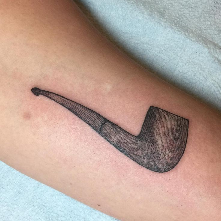 «Portrait of a grandfather's pipe. Love doing these sentimental objects»