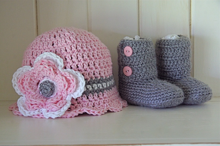 Adorable booties and hat for my little pumpkin: Ankle Booty, Pumpkin, Scallops Edge, Booty Sets, Edge Hats, Baby Gifts Sets, Baby Girls, Baby Boots, Adorable Booty