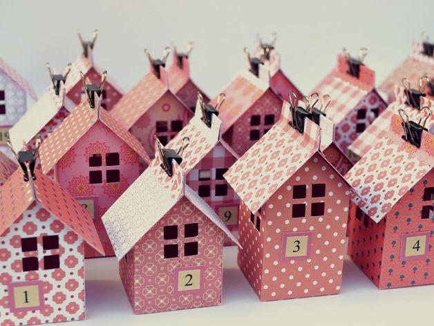 rosa h uschen als adventskalender advent calendar pink houses by yellow house via. Black Bedroom Furniture Sets. Home Design Ideas