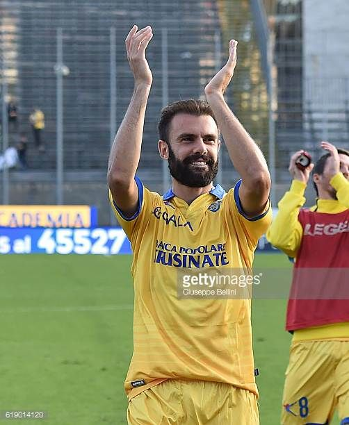 Paolo Sammarco of Frosinone Calcio celebrates the victory after the Serie B match between Frosinone Calcio and AC Cesena at Stadio Matusa on October...