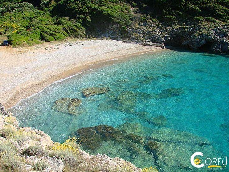 Η Παραλία Λινιόδορος ή Ηλιόδωρος αποτελείται κυρίως από βοτσαλάκι. Είναι μια σχετικά ερημική παραλία με πεντακάθαρα νερά. Μπορεί να μην είναι εξοπ...
