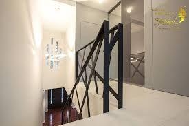 Image result for schody polkowe z barierka  – Escadas internas