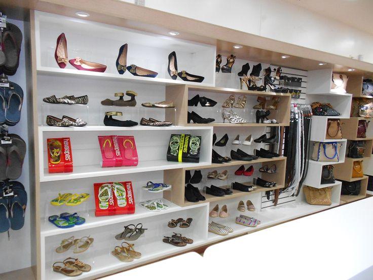 Projeto de marcenaria loja de Sapatos, bolsas e acessórios.