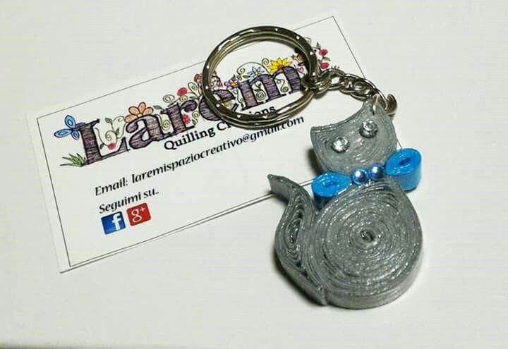 Laremì quilling creations. Portachiavi gattino grigio- Quilling l'arte di modellare la carta!! Made in Italy