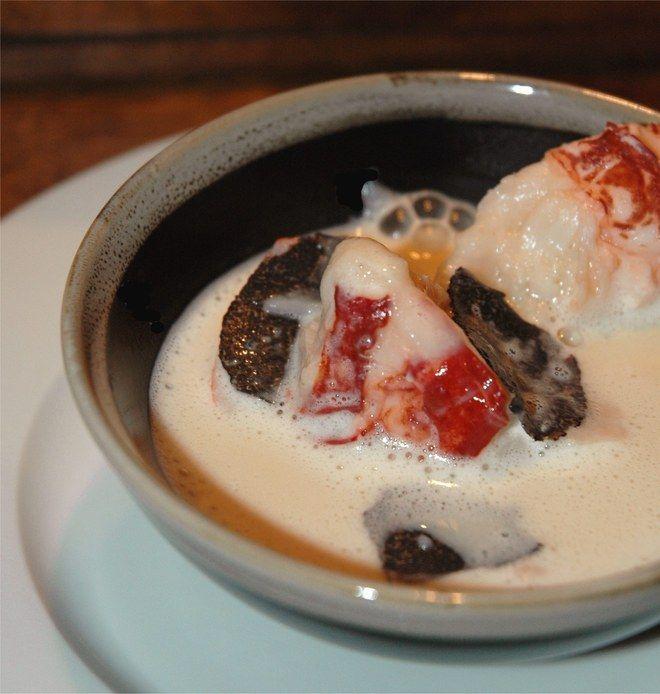 """voir la recette des huîtres tièdes aux pousses d'épinardsExtraite de """"Love Cuisine"""" de Martine Fallon, éditions Luc Pire."""