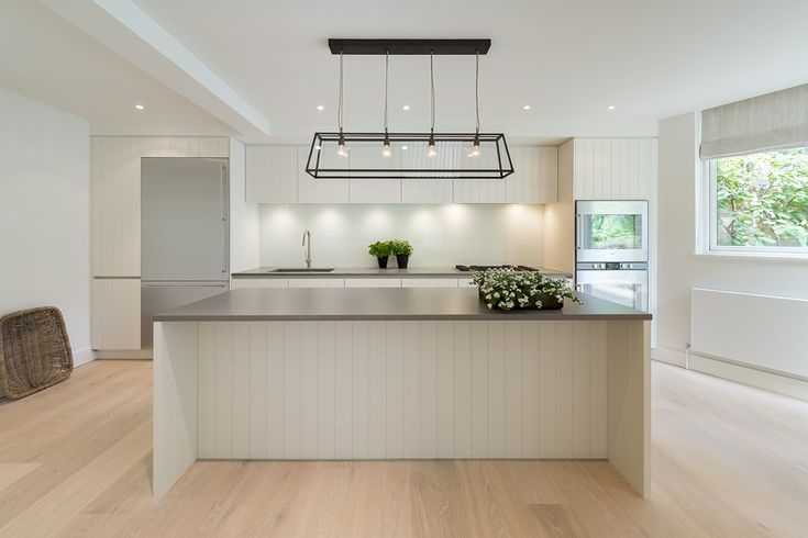Roundhouse Urbo Grey Matt Lacquer Bespoke Kitchen With Zebrano Island photo - 8