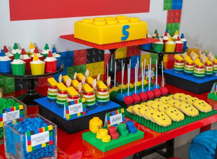 AMAZING LEGO BIRTHDAY PARTY Styling, Requisiten, Kuchen und Mini-Desserts von The Sweet …   – Lego themed party