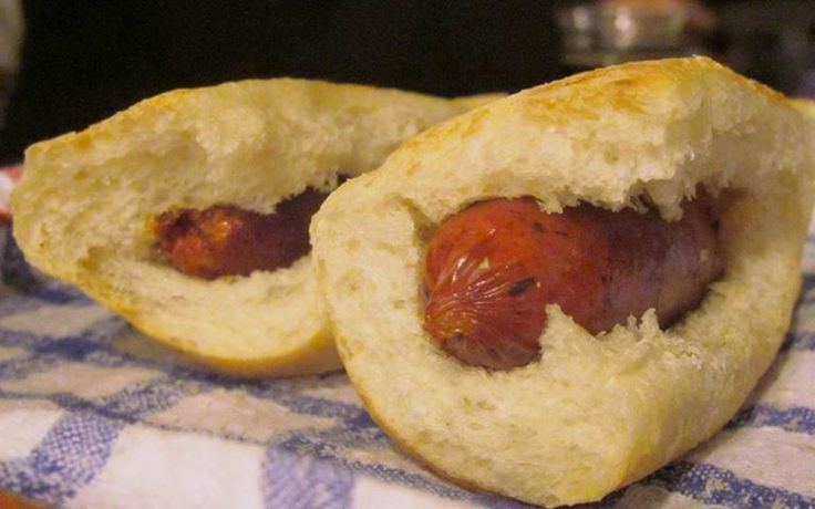 """What does """"Choripan"""" mean: Chorizo sausage and a piece of bread, often as an appetizer at barbeques.  www.natalislang.com https://www.facebook.com/spanish.courses.natalislang"""