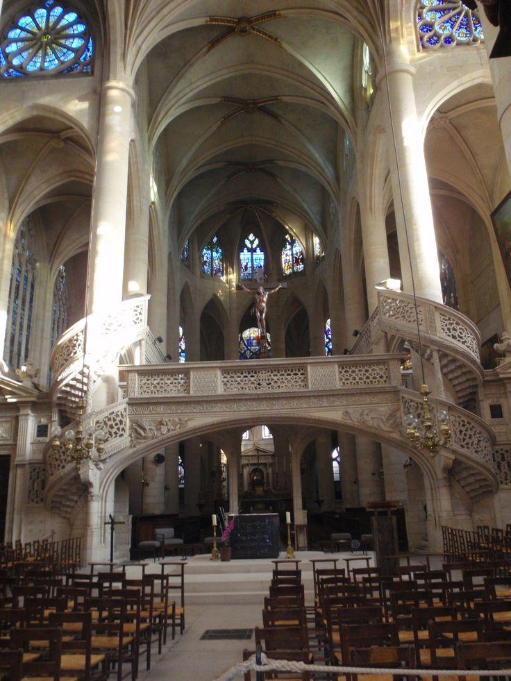 El interior de la Iglesia