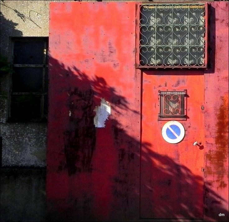 Porte de garage à Trentemoult Photo de Dani de Nantes via Picassa