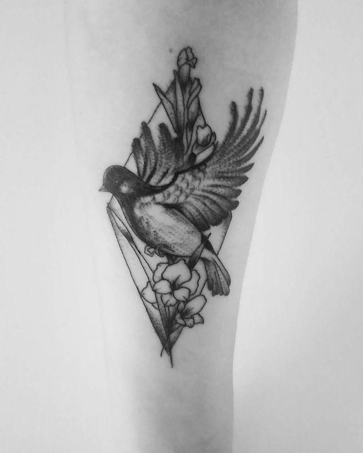 Bird tattoo, black tattoo, passaro, andorinha, beija flor,