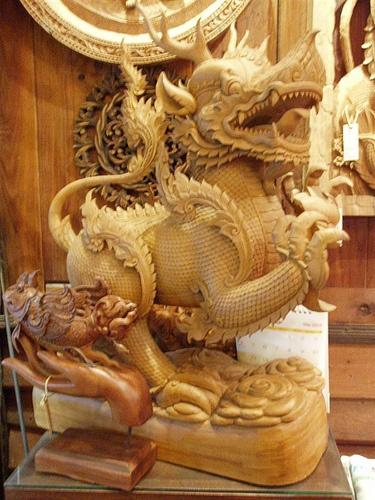 Thaise draak beeld teak hout by houtsculptuur, via Flickr