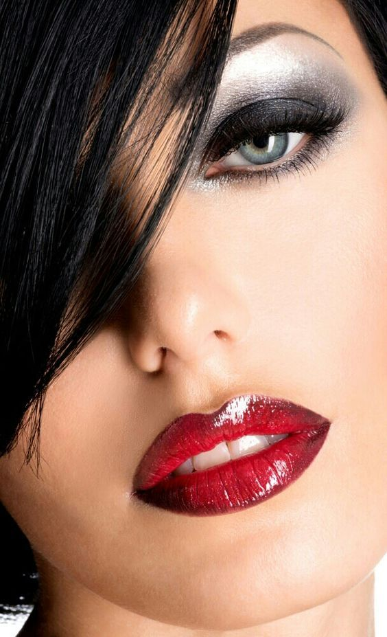 best-christmas-makeup-ideas-hot-trends-to-spice-up-your-eve-2