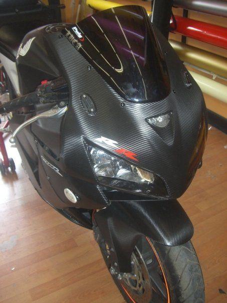 omega wrapping roma: Wrapping Honda 600 effetto carbonio nero