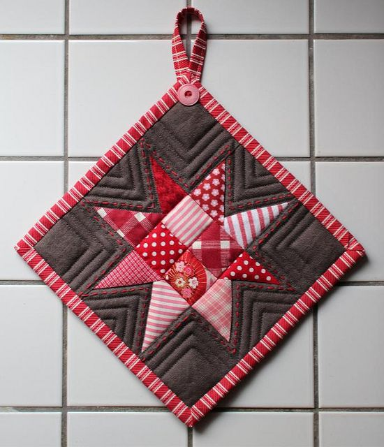 quilted potholder - I really like the details, especially the quilting and the button at the loop.