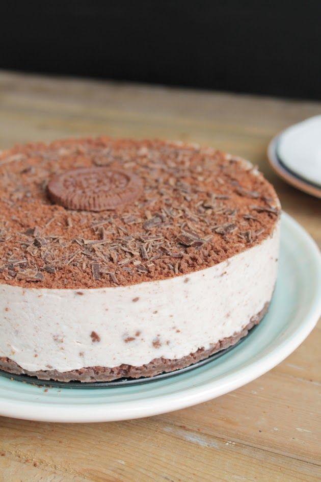 Leipomo: Cookies & Cream juustokakku