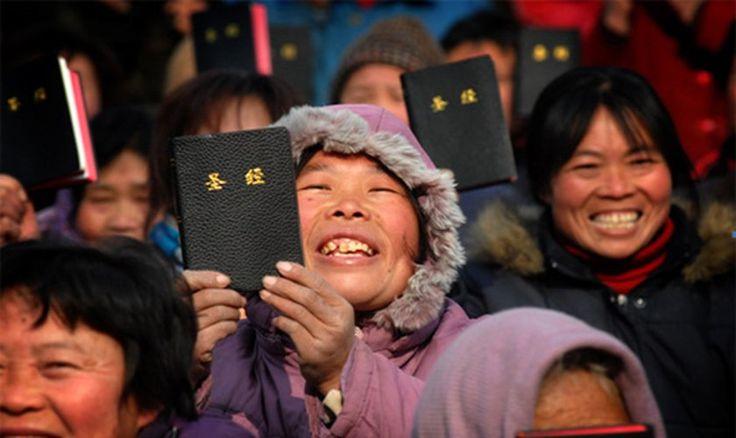 El ministerio que distribuye biblias en China celebra el rendimiento positivo que tuvieron en 2016 y promete nuevas estrategias para el 2017.