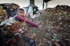 Πώς η Ινδονησία ενεργοποιεί παλιά σκουπίδια σε δωρεάν υγειονομική περίθαλψη