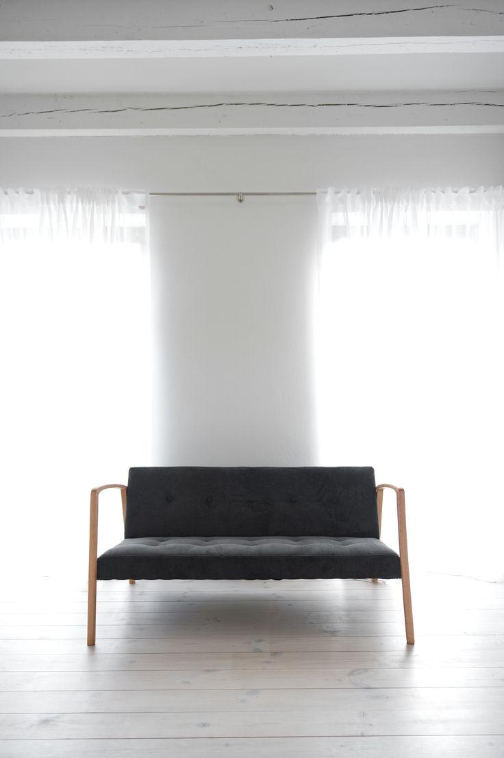 sofa - www.loft.szczecin.pl - Jacek Kolasiński © 2014 FURNITURE AUCTION (used in realizations)