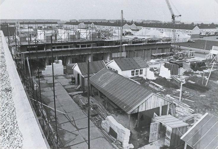 Het winkelcentrum De Donk werd groter dan gepland 1971