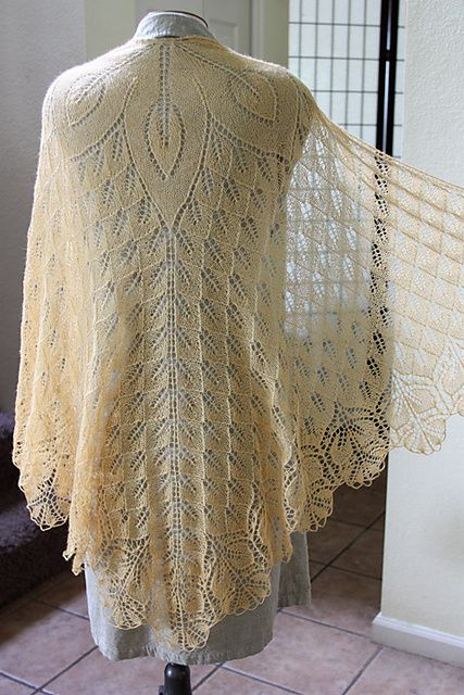 I'm making this shawl in a green silk yarn, so my dress can be very simple