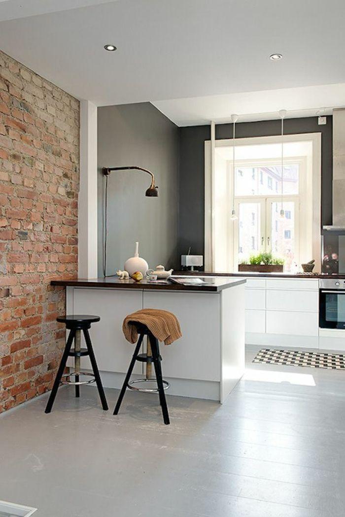 mur de briques, mur gris, couleur mur cuisine, gris anthracite, plafond blanc