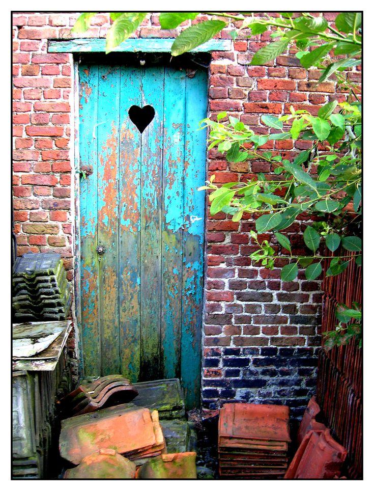 old doors - Bing Images & 286 best old doors images on Pinterest | Door knobs Vintage doors ... Pezcame.Com