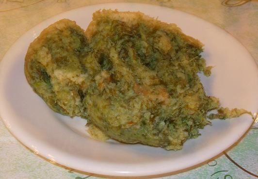 """Mallone Bracigliano è un misto di erbe di montagna e di foglie di cime di rapa, mescolate con patate grumose, peperoncino e olio d'oliva. E' una ricetta tipica dell'entroterra campano, ma in particolare originario di questi luoghi. Il Mallone è un piatto povero di tradizione contadina, ma anche una grande eccezione di prodotto tipico ed esemplare, laddove gli """"scarti"""" in questo caso, diventano una vera prelibatezza."""