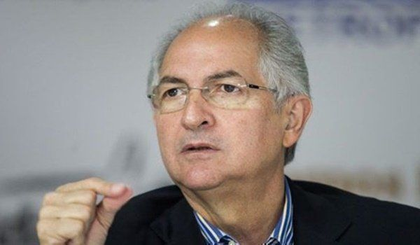 """Antonio Ledezma, líder opositor venezolano: """"Soy un perseguido político que hoy está recibiendo de Chile la solidaridad de su Presidente"""" - NODAL https://www.nodal.am/2018/01/antonio-ledezma-lider-opositor-venezolano-la-embajada-chile-refugio/  http://fmexcalibur.com/Reproductor.html"""