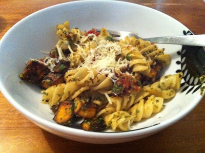 Michelle Bridges 12wbt Basil and Walnut Pesto Pasta with Roast Pumpkin and Tomatoes 299 Cals
